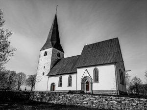 Alskog kyrka – fler foton